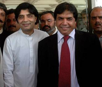 hanif abbasi with ch nisar