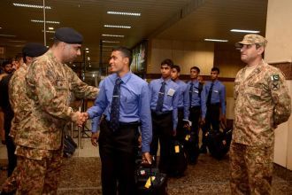 1st-international-paces-2016-sri-lankan-team-gets-warm-welcome-in-lahore