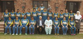 chairman-pcb-shaharyar-khan-meets-womens-national-team-at-nca