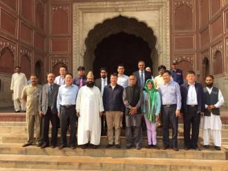 chinese-delegation-visits-badshai-masjid