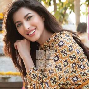 mehwish-hayat-hot-7