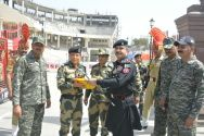 Rangers gifted sweets to Indian Border Security Force