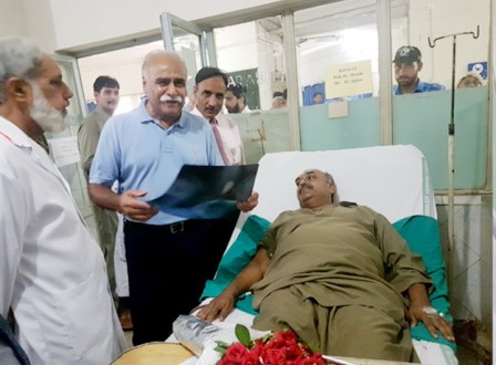 Minister health inquires after the injured of police encounter