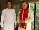 Hamayun Akhtar khan wears PTI scarf