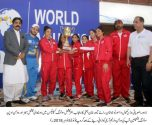 Rai Taimoor distributed prizes among the prominent swimmers