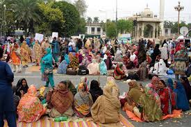 Lady Health workers sit-in at mall road is for political mileage : DG Health Punjab