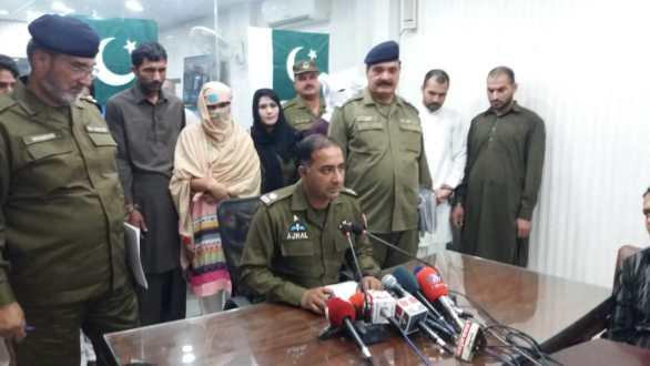 Kahna police arrest 8 involved in 4 murder cases
