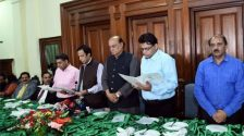 Speaker Ch Pervaiz Elahi takes oath from newly-elected office bearers of Press Gallery