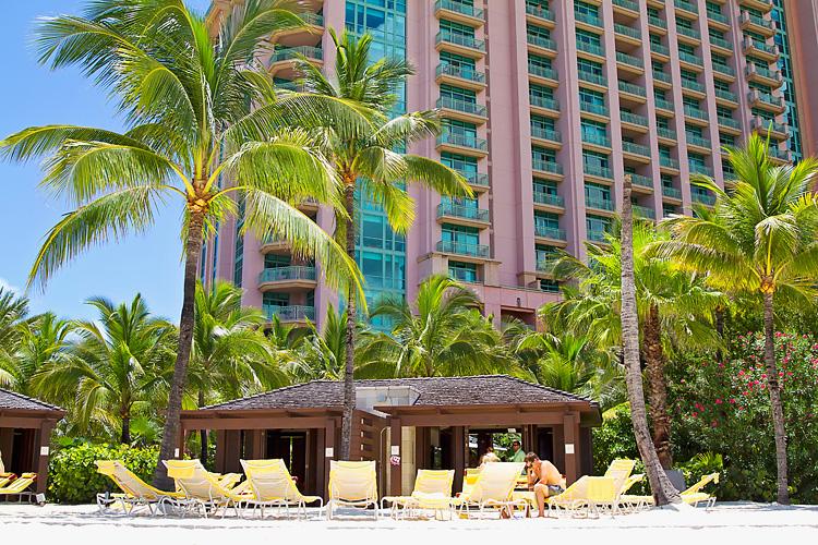 Sailing-Travel-Lifestyle-Blog-Bahamas-Atlantis-Paradise-Island-LAHOWIND-Kimberly-Joy-Photography-Naples-Florida-eIMG_7026