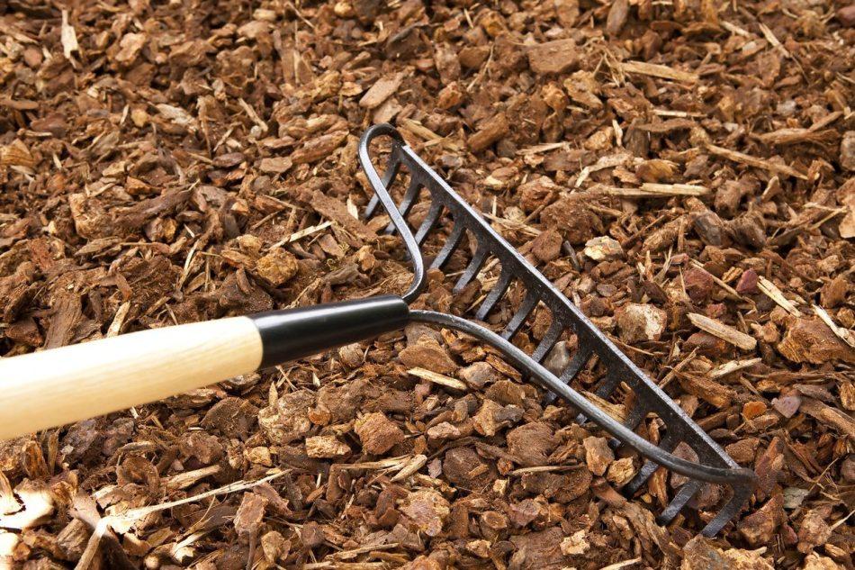 Bow rake leveling mulch