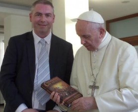 walford_with_pope_1_810_500_75_s_c1.jpg