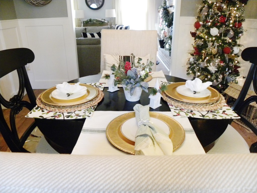 Laila Belles - Christmas Home Decor