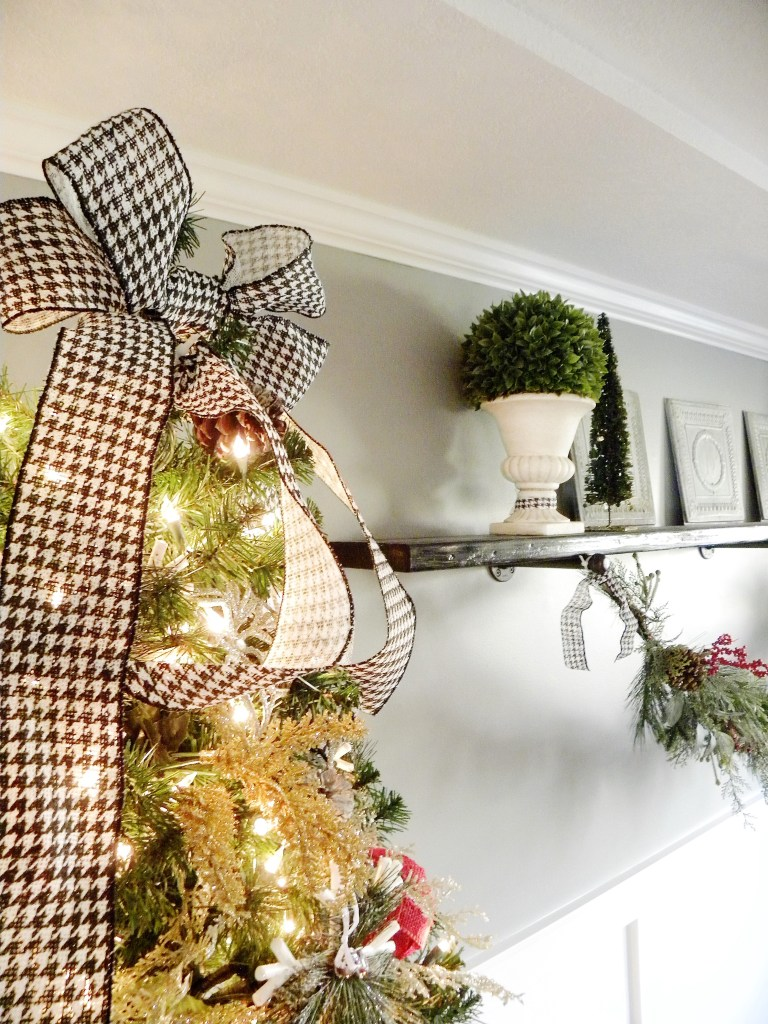 Our Homes for the Holidays - Laila Belles Christmas Decor - Blog Hop