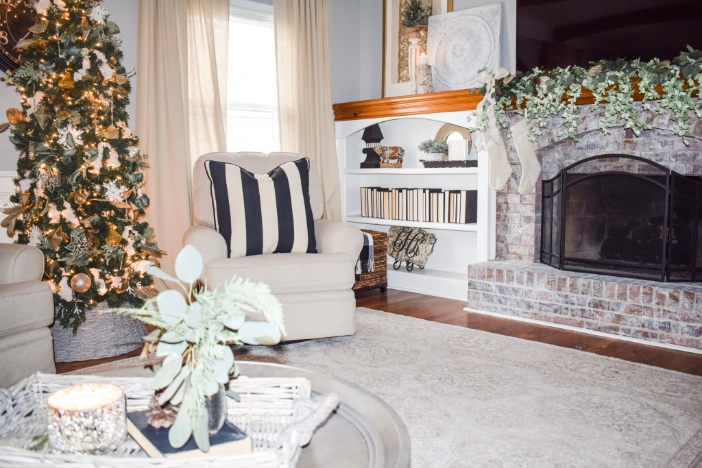 Laila Belles Cozy Christmas Living Room Decor
