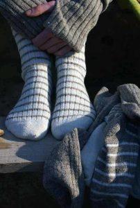 Laines Paysannes gamme de chaussettes en tons clairs et laines locales