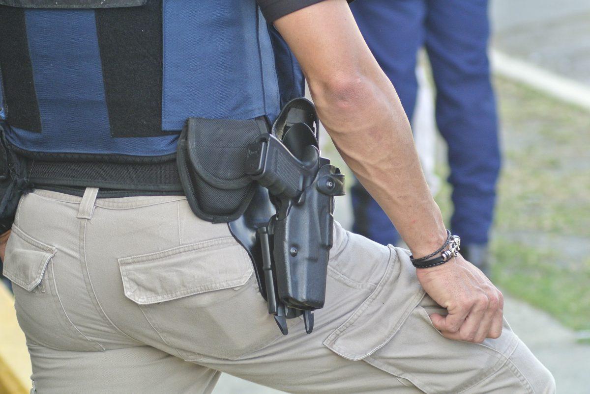 Policia Arma Pistola 9282