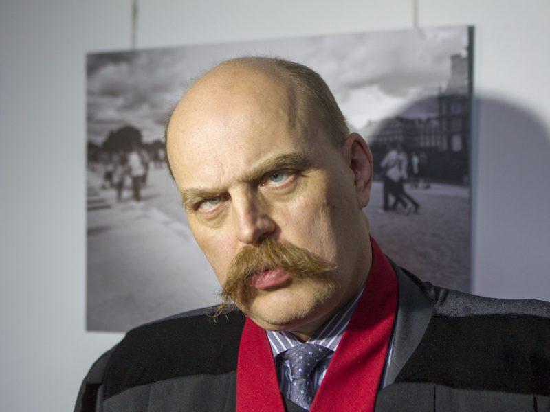 """Girtam vairavusiam """"metų prokurorui"""" Zdislav Tuliševski policija dokumentus pristatė į kabinetą (pildoma)"""