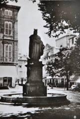 Aix-1942-08