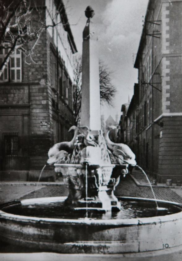 Aix-1942-10
