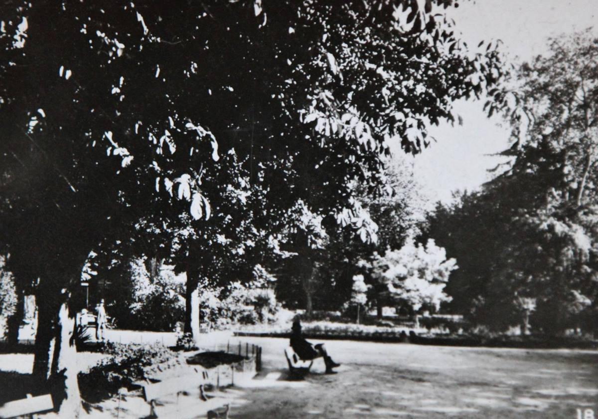 Aix-1942-19
