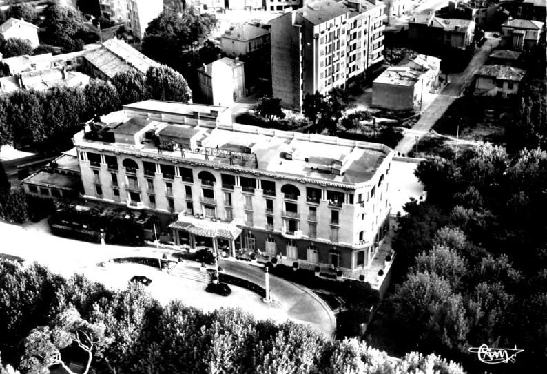 Grand-hotel-roi-rene-aix-01