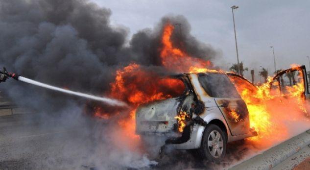Shkrumbohet nga zjarri makina në Krujë