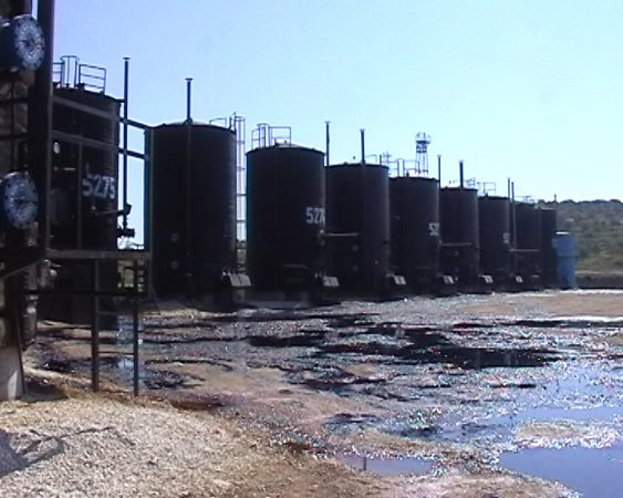 Punonin në puset e naftës