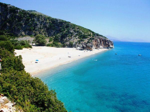 Turistët i japin Shqipërisë 15 % të GDP-së