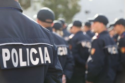 Tenderi i uniformave të policisë/ Grupi Parlamentar Demokrat kallëzon në SPAK Sandër Lleshajn dhe Olta Xhaçkën
