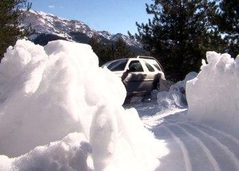 Jeta mes dëborës