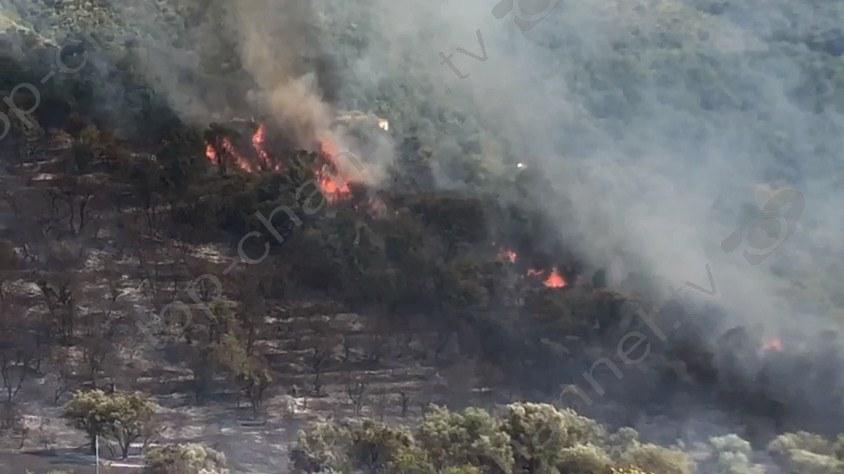 """""""DW"""": Ende vatra agresive zjarri në Shqipëri"""