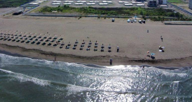 Po lahej në plazh