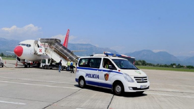 Në kërkim ndërkombëtar për trafik droge/ Ekstradohet nga Greqia 53-vjeçari