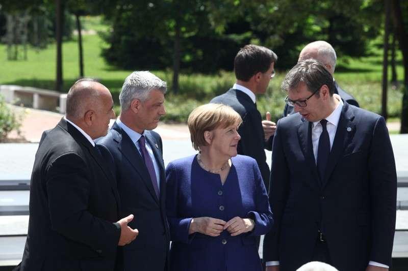 eu-western-balkans-summit-family-phoro_41268191635_o