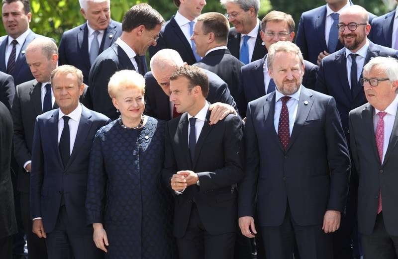 eu-western-balkans-summit-family-photo_42121987982_o