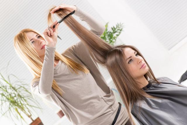 https://i0.wp.com/lajollamom.com/wp-content/uploads/2009/12/brazilian-keratin-hair-straightening.jpg?resize=640%2C428&ssl=1