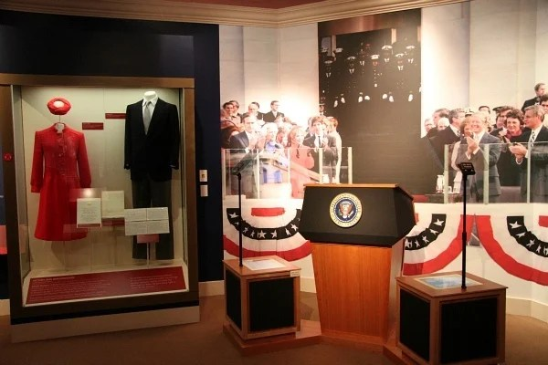 Visit The Ronald Reagan Presidential Library And Museum