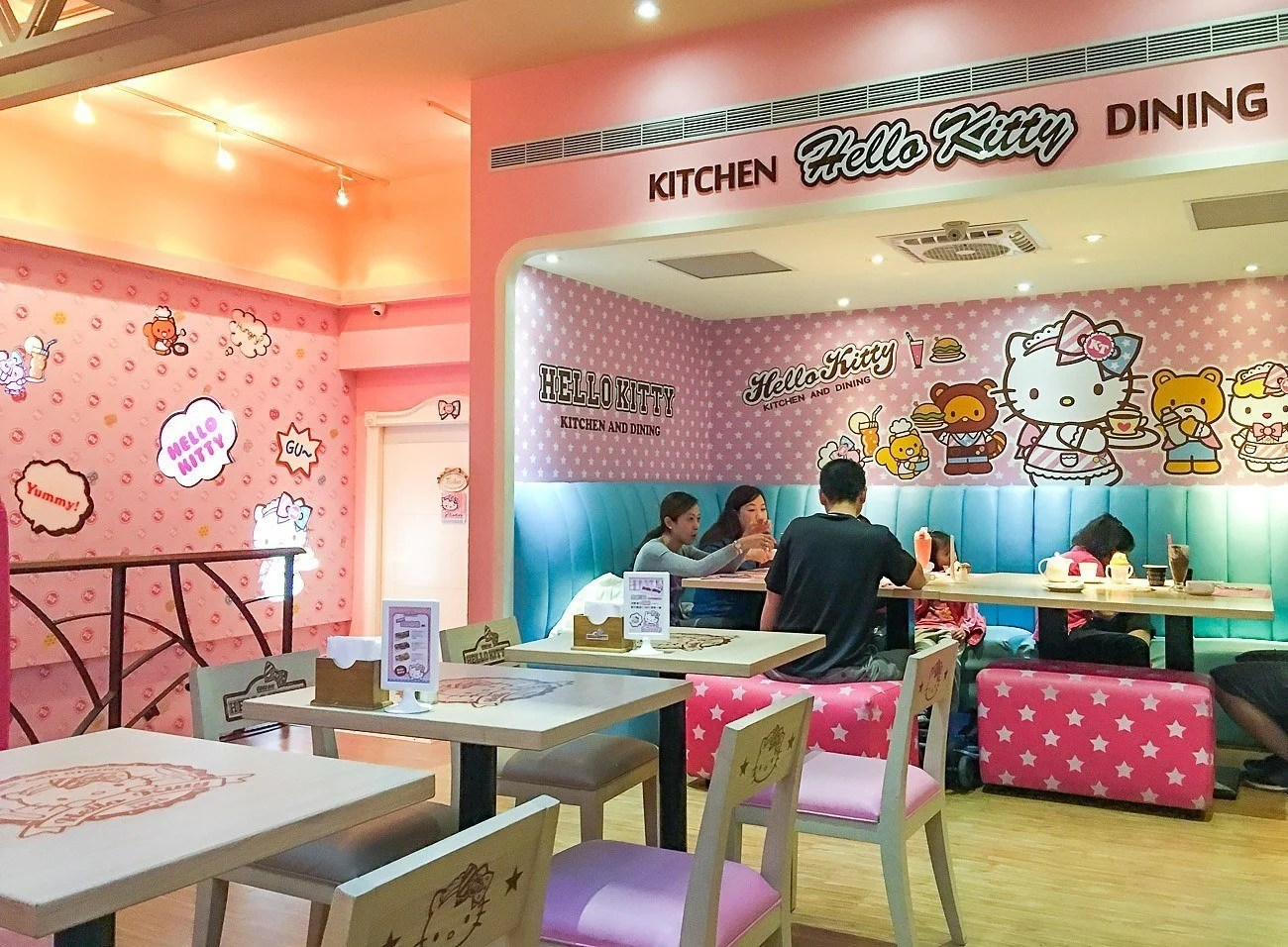 hotel with kitchen hong kong cool stuff what it's like to eat at taipei's hello kitty cafe - la ...