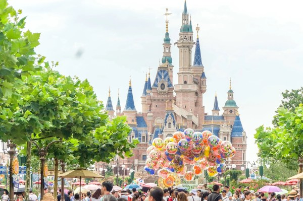 Important Tips Visiting Shanghai Disneyland - La Jolla Mom