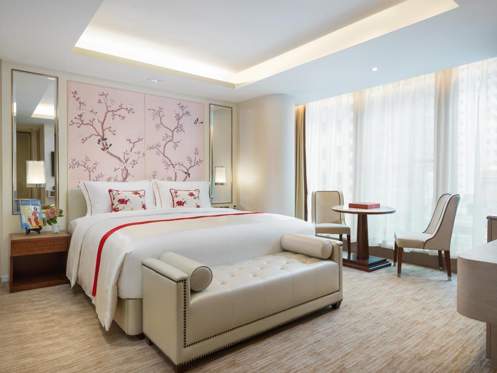 Best Hong Kong Luxury Hotels - Best Hotels in Hong Kong - La Jolla Mom