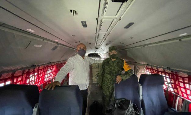 Las dosis serán distribuidas, con apoyo de la Fuerza Aérea Mexicana, a Belice, Bolivia y Paraguay. Foto tomada de @maximilianoreyz