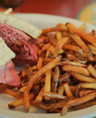 assiette-fabrique-smoked-meat