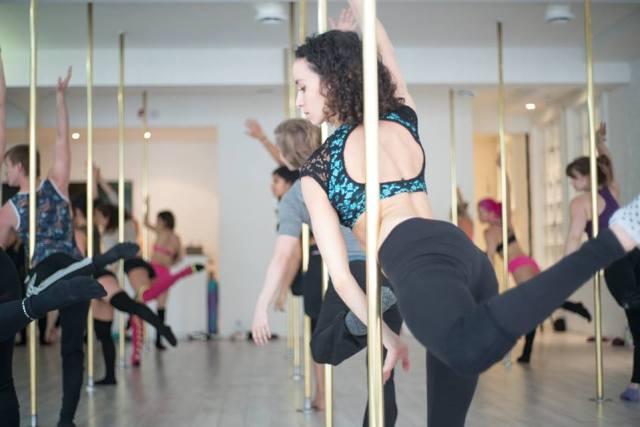 pole-dancing-grimper