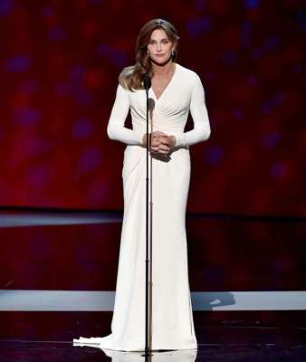 caitlyn-jenner-epsy-atelier-versace-look-1