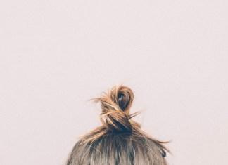 minibun-coiffures-matins-pressés