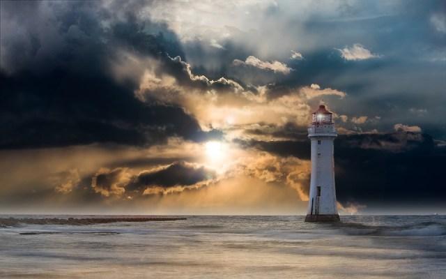 lighthouse-2372004_960_720