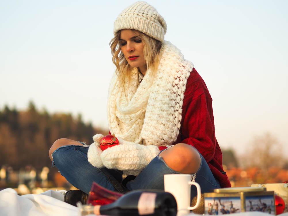 Weihnachten_Roter_Pulli_Lakatyfox