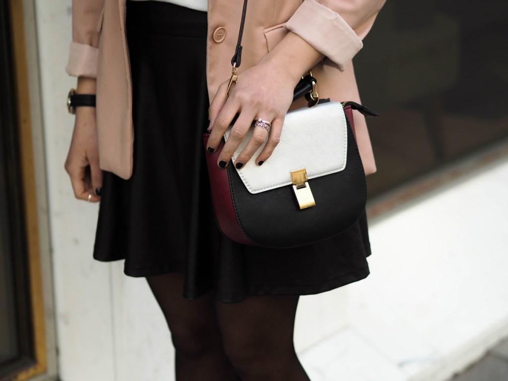 White-T-Shirt_Pink-Blazer_Leder_Rock_Lakatyfox_Streetstyle_boots_fashion_blogger-5