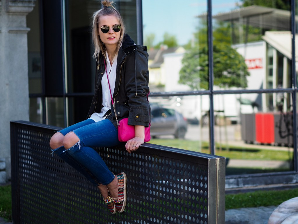 Accessiores, Ray Ban, Furla Bag, Ripped Jeans,