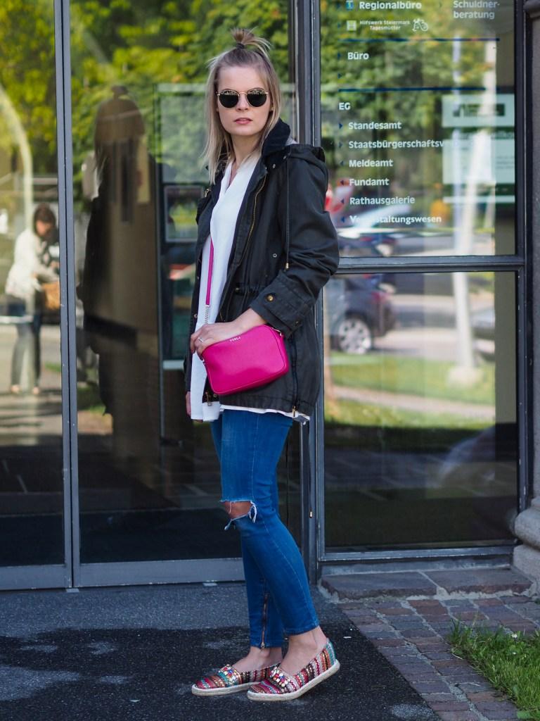 Ripped Jeans, Espadrilles, Springlook, Fashionblogger, Accessoires, Furla Bag,